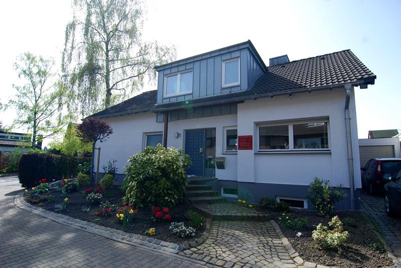 Gepflegtes freistehendes Einfamilienhaus mit Garage